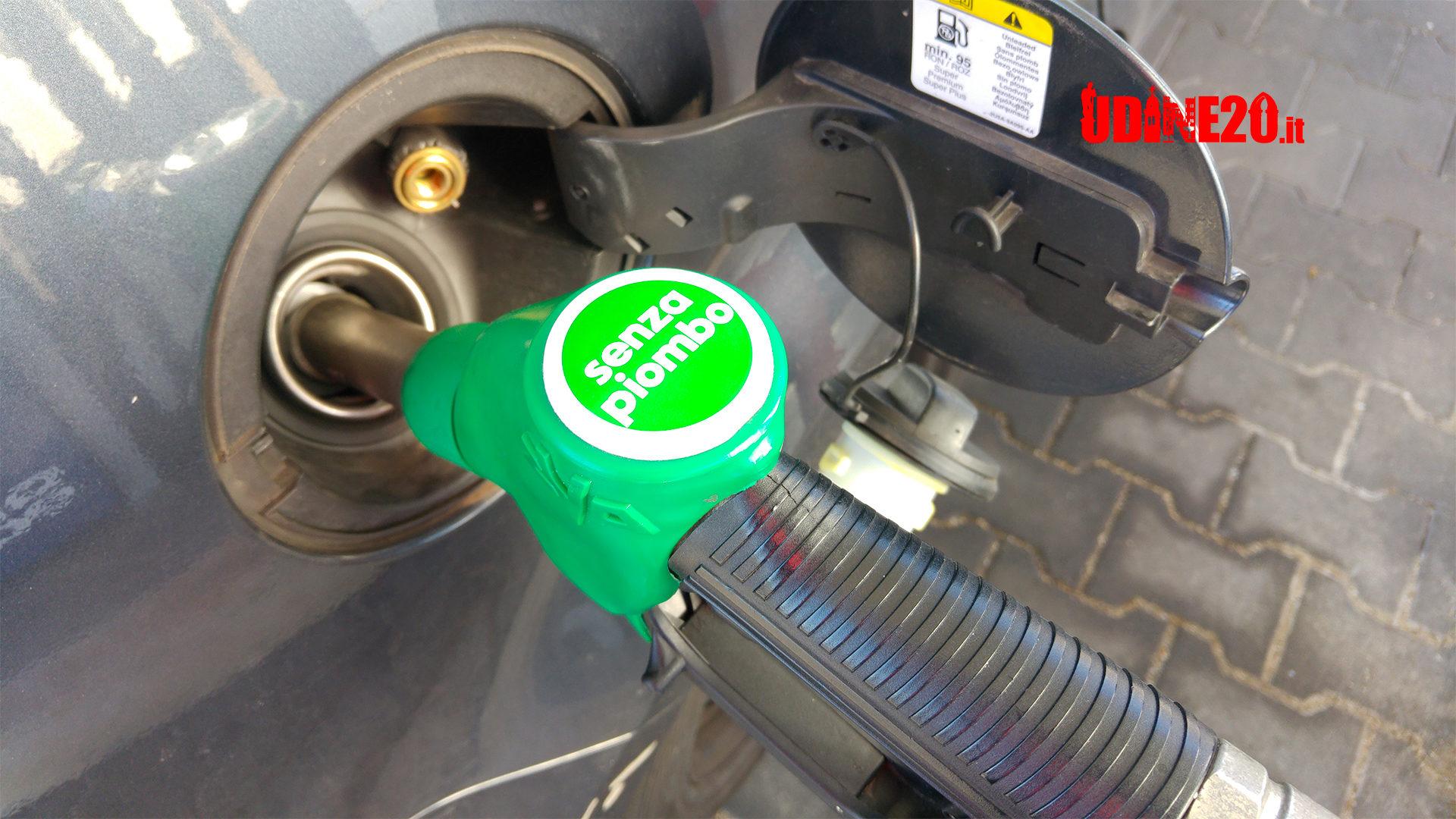 Super sconto benzina |  prorogato per tutto marzo in Zona 1