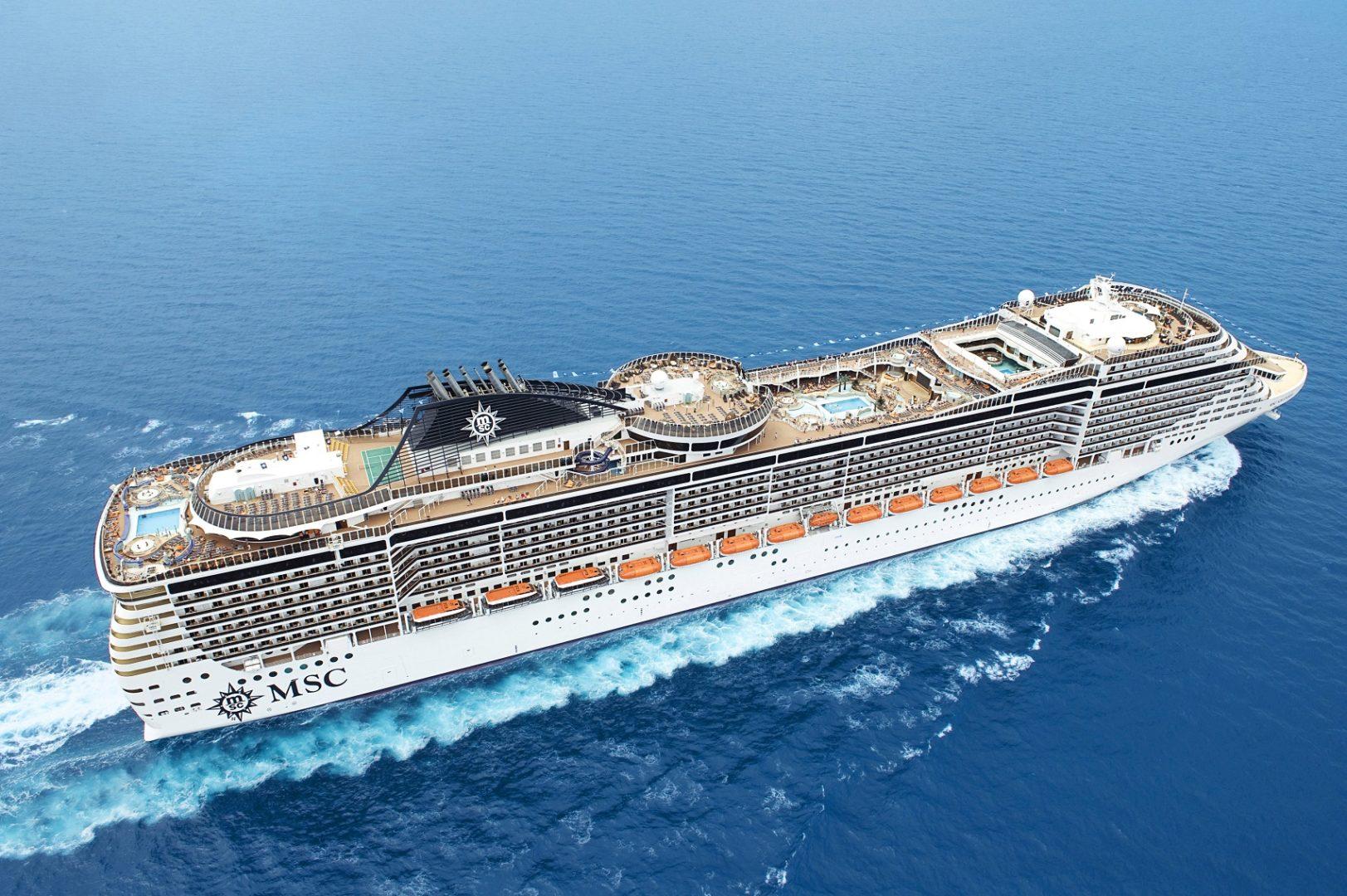 Msc Splendida, la nave più grande mai vista nel porto dorico: