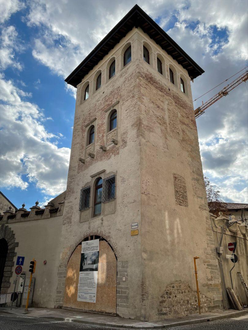 La vetrina dell'ingegno nella Torre medievale di Santa Maria a Udine, pronta per la primavera 2022
