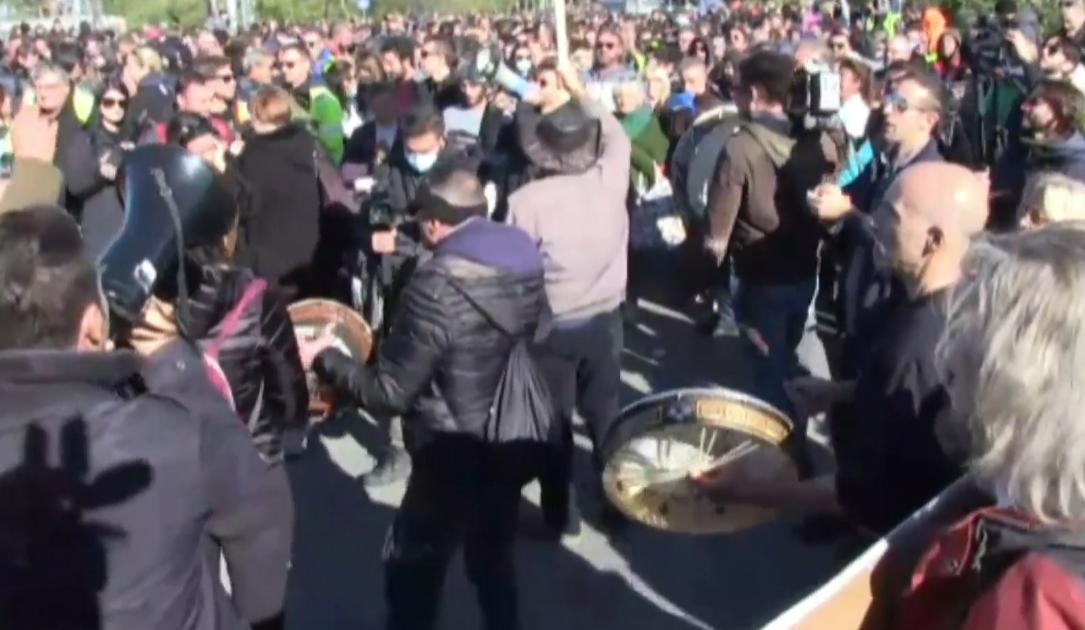 Trieste, dopo il comunicato che annunciava la fine delle proteste, il presidio non si ferma
